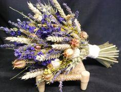Лучшие растения-сухоцветы для зимних букетов. Даже в самое холодное время года любоваться красотой садовых цветов помогают растения-сухоцветы – группа культур, которые прекрасно сохраняют форму и окрас соцветий в зимних букетах. Фото: © wild and wondrous
