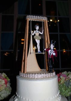 Flawless Blog Jackie And Tims Elegant Vintage Circus Wedding cakepins.com