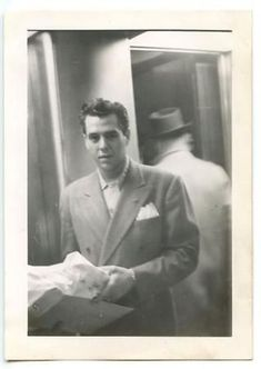 Never before seen original picture of Desi Arnaz from the Hollywood Couples, Old Hollywood Glam, Golden Age Of Hollywood, Hollywood Stars, I Love Lucy Show, Love Movie, Desi Love, Queens Of Comedy, Lucille Ball Desi Arnaz