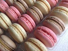 VÍKENDOVÉ PEČENÍ: Makronky - náplně z bílé čokolády Macaroons, Watermelon, Cheesecake, Good Food, Tasty, Sweets, Fruit, Cupcakes, Recipes