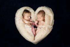 Buon San Valentino a tutti quelli che amano, perché l'amore è tutto intorno a noi.  #FotografoCreativo #familyphotographer #fotografobambini #fotografoneonati #Neonata #Neonati #Neonato #NewBorn #puglia #Baby #Bambini #Bari #Boy #fotogravidanza #gravidanza #fotografogravidanza #genitori #nascita #famiglia #amore #sanvalentino #sanvalentino2016 www.fotografocreativo.it