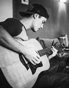 Leroy Sanchez, Attractive People, Height And Weight, Having A Crush, Black N White, Celebs, Celebrities, Shawn Mendes, Body Measurements