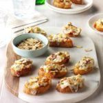 Almond-Bacon Cheese Crostini Recipe -For a change from the usual toasted tomato appetizer, try these baked bites. If you like, slice the baguette at an angle instead of making a straight cut. Tomato Appetizers, Appetizer Dips, Appetizers For Party, Appetizer Recipes, Baguette Appetizer, Gourmet Appetizers, Mushroom Appetizers, Parties Food, Thanksgiving Appetizers