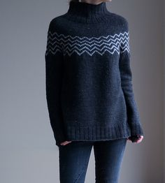 Ravelry: Monochrome Pullover pattern by Katrin Schneider Diy Knitting Cardigan, Cocoon Cardigan, Knit Sweaters, Cardigans, Raglan Pullover, Version Francaise, Fair Isle Knitting, How To Purl Knit, Lana