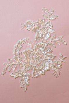 ivory-lace-applique-olga.jpg (1417×2126)