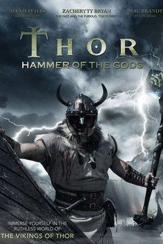 Thor, junto con sus amigos, viaja a la Isla Misteriosa buscando la gloria y la fama. Al llegar se encuentran con criaturas extrañas y comienza a buscar la isla en busca de respuestas. Mientras tanto, Thor sigue viendo visiones de un poderoso guerrero y un gran martillo y Freyja le dice que sus visiones son claves para que empezar a buscar el martillo. Ver El todopoderoso Thor (Thor: Hammer of the Gods) 2009 Online Película Completa en Español Latino y Castellano Descargar Gratis en Hd