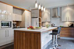 Cuisines urbaines - Signature Cuisines AC Kitchen Dining, Kitchen Decor, Kitchen Ideas, Kitchen Designs, American Interior, Wall Decor Design, Contemporary Kitchen Design, Home Furnishings, Kitchen Remodel
