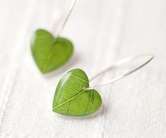 Green leaf earrings - Heart Earrings - Nature I heart - Green dangle earring…