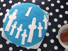 Moomin cake, Hattifattener cake, 1st birthday Sweet Recipes, Vegan Recipes, Tove Jansson, Book Cakes, Seitan, Birthday Decorations, Happy Birthday, Baking, Tableware