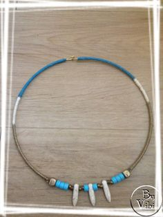 Collier rigide turquoise et ivoire par ByVibi sur Etsy, €23.00