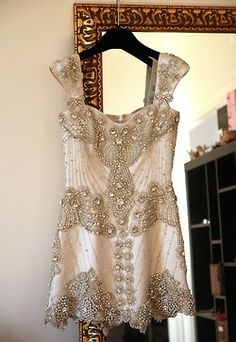 crystal dress / Ida Sjöstedt This beadwork is amazing! Look Fashion, Fashion Beauty, Crystal Dress, Mode Inspiration, Marchesa, Mode Style, Elie Saab, Dress Me Up, Passion For Fashion
