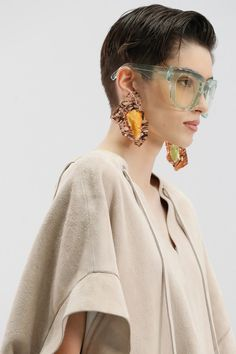 Fashion News, Fashion Beauty, Fashion Show, Acne Studios, Vogue Paris, Sunnies, Runway Hair, Trending Sunglasses, Asymmetrical Design