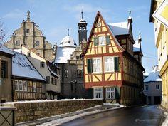 Marktbreit, Germany. In Unterfranken, bei Kitzingen, an der Spitze des Maindreiecks. Das Malerwinkelhaus am Breitbach.