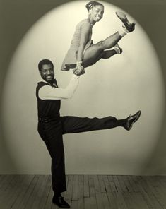 Swing dancers - Clyde Wilder and Amaniyea Payne. Photographed by Larry Shulz.  [A tip o' the hat to Vintage Tickytacky, who knew them on sight.]