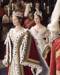 Since Sandy Powell won Best Achievement in Costume Design last night for her work on The Young Victoria I thought it only fair to. The Young Victoria, Victoria And Albert, Reine Victoria, Queen Victoria, Emily Blunt, Period Costumes, Movie Costumes, Jena, Victoria Movie