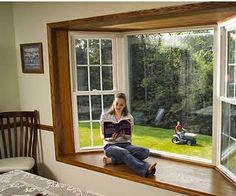 Large bow window with wooden frame Bay Window Living Room, Bedroom Windows, Future House, My House, House Window Design, Window Seat Kitchen, Luxury Furniture, Home Remodeling, Interior And Exterior