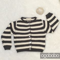 Do you miss the beach?  I do. But that wouldnt  stop me from dressing up my bébés in their nautical stripes!  Dress how you feel and stay warm kids! #organicbabyclothes Lots of #gotsCertifiedOrganicCotton SOFT & sturdy basics @ogobobo. Image shows Baby Pearl Cardigan. #unisex #babyapparel #sustainablefashion #ecofriendlyfashion #supercute #babylove