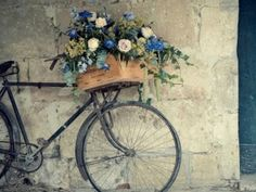 WallpapersBike and a box with flowers