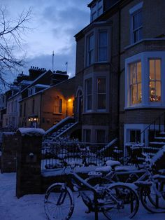 Christmas in Cambridge, England <3 I've only spent Summer in Cambridge, but I'm sure it's breathtaking!