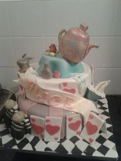ALICE IN WONDERLAND  Cake by lorraine