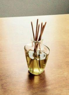 Recepty na výrobu přírodní kosmetiky a drogerie | Kosmetika hrou Diffuser, Herbs, Homemade, Bamboo, Home Made, Diy, Loudspeaker Enclosure, Herb, Spice