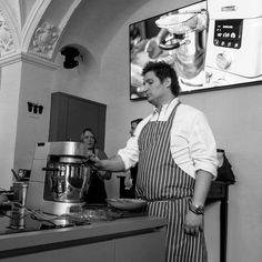 http://ift.tt/2oHNha3 Was die neue #CookingChefGourmet von #Kenwood alles kann habe ich auf der #Kenwoodküchenparty erfahren. Sehr schicke Maschine :)   www.omoxx.com - Foodblog aus München  #omoxx #foodblogger #foodblogger_de #foodblog #foodpic #cooking #germanfoodblogger #foodstagram #blogpost  #münchen #pasing #foodtravel #dingedieichmag #alltagsküche #foodphotography #yummy #rezeptebuchcom