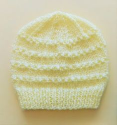 Ravelry: Roman Stitch Baby Hat pattern by marianna mel - Slideit. Beanie Knitting Patterns Free, Baby Hat Knitting Patterns Free, Baby Cardigan Knitting Pattern, Baby Hat Patterns, Baby Hats Knitting, Beanie Pattern, Knitted Baby Beanies, Knitted Hats, Baby Hut