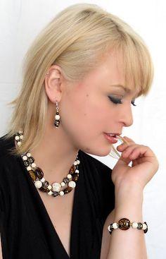 #Emilie_#Crystal and stone earrings made by #Mlle Fleur_Boucles d'oreilles de cristal et de pierres  par Mlle Fleur.