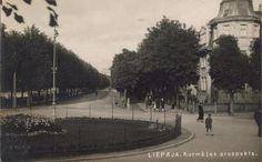 Liepaja, Latvija. Kurhaus prospect, 1920-1925 photo-postcard. Old Postcards, Photo Postcards, Old Pictures, Paris Skyline, Street View, Travel, Outdoor, Outdoors, Antique Photos