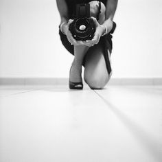 mcsgsym:    Shooting The Photographer (by Luis Andrei Muñoz)  Rolleiflex T Ilford Delta Professional 3200 @ 800