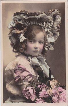 916..Beautiful Edwardian Girl with Ruffled Bonnet.