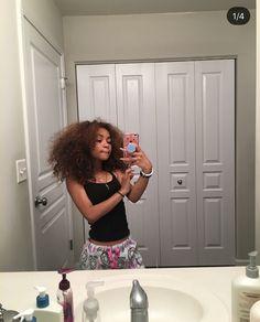 Pretty Mixed Girls, Beautiful Black Girl, Mixed Girl Hairstyles, Baddie Hairstyles, Catfish Girl, Mixed Curly Hair, Swag Girl Style, Light Skin Girls, Applis Photo
