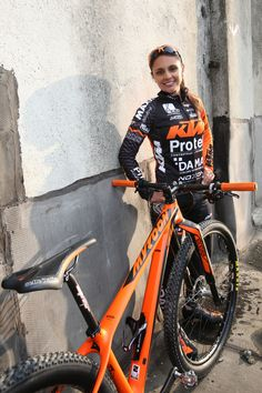 Portaborraccia per il Team KTM-Protek! E Mtb, Bicycle, Vehicles, Black, Bike, Bicycle Kick, Black People, Bicycles, Car