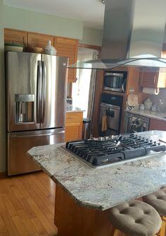"Kitchen island ""White Spring"" granite from Brazil"