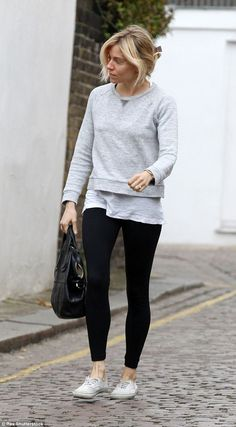30 cosy work office outfits ideas for women when it's cold 20 ~ Litledress College Outfits, Office Outfits, Mode Outfits, Errands Outfit, Sienna Miller Style, Autumn Winter Fashion, Fall Fashion, Fashion Ideas, Minimalist Fashion