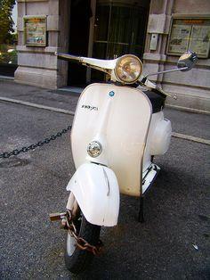 232 Best Vintage Vespa Images On Pinterest Vespa Scooters For Sale