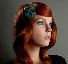 präsentiert von www.my-hair-and-me.de #women #hair #haare #red #rot #details #flower #long #lang #green #eyes #grüne #augen
