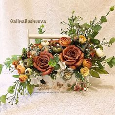 Here are the most inspiring Silk flower designs to make your event special. Silk Floral Arrangements, Wedding Flower Arrangements, Flower Bouquet Wedding, Floral Wedding, Bridal Bouquets, Wedding Centerpieces, Clay Flowers, Silk Flowers, Beautiful Roses