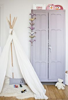 i love the pale colors and the tepee