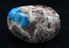 Cavansite helps you to focus on those parts of your life or your character that need attention It can prompt reflection inspire new ideas