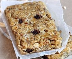 The BEST homemade granola bar recipe.