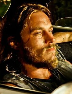 Travis Fimmel screen cap from The Baytown Outlaws