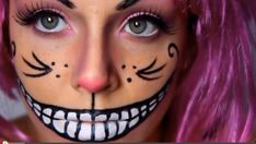 this would be the makeup for the cheshire cat. i like how she actually drew out the face of the cat. it looks pretty accurate, but not exactly like the cheshire cat, but good enough to notice the who the character is. Cheshire Cat Makeup, Cheshire Cat Halloween, Cheshire Cat Costume, Chesire Cat, Halloween Season, Holidays Halloween, Cat Costumes, Halloween Costumes For Kids, Halloween Make Up