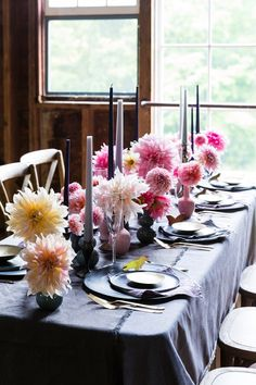 Spring is in the air, and in our décor! I love when people add in fresh flowers into their tablescapes. These dahlias are perfect for bringing Spring into your home.