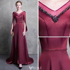 Modern / Fashion Burgundy Evening Dresses 2018 A-Line / Princess V-Neck Amazing / Unique Long Sleeve Beading Sash Court Train Backless Formal Dresses