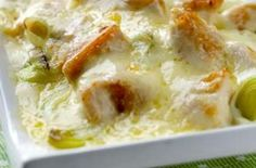 Chicken, leek and Cheddar bake 1 tbsp oil 4 chicken breasts 2 leeks butter 2 tbsp flour 1 cup milk 1 cup shredded cheese Chicken And Leek Recipes, Leftover Chicken Recipes, Sauce For Chicken, Leftovers Recipes, Baked Chicken, Garlic Chicken, Chicken Piccata, Turkey Recipes, Baked Dinner Recipes