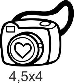 A câmera fotográfica amadora com coração reflete toda a sua paixão pela fotografia num simples clique. Para deixar seus projetos personalizados com um pouco do seu bom gosto. R$ 11,00