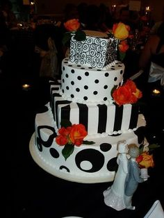 The striped layer>>>>> Black & White Wedding cake: Square with circles, stripes, scroll work and polka dots Funky Wedding Cakes, Gothic Wedding Cake, Square Wedding Cakes, Art Deco Wedding, Wedding Ideas, Wedding Planning, Floral Wedding, Wedding Stuff, Dream Wedding
