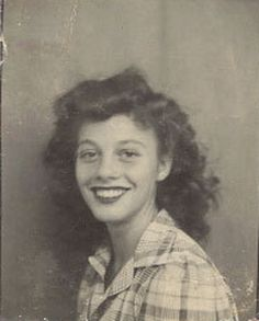 ** Vintage Photo Booth Picture **   Teenager with bright smile