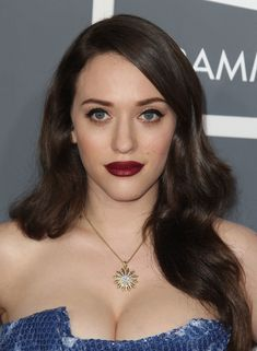 10 Amazing Milky Cleavage Pictures of Kat Dennings – Hot Actress Gallery Beautiful Celebrities, Beautiful Actresses, Beautiful Women, Hot Actresses, Hollywood Actresses, Older Women Hairstyles, Cool Hairstyles, Kat Dennings Pics, Cristina Hendrix
